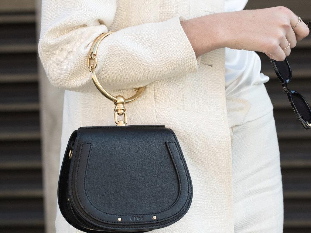 【2019年】ミニマリストのバッグの中身は?20代OLの普段の持ち物を紹介