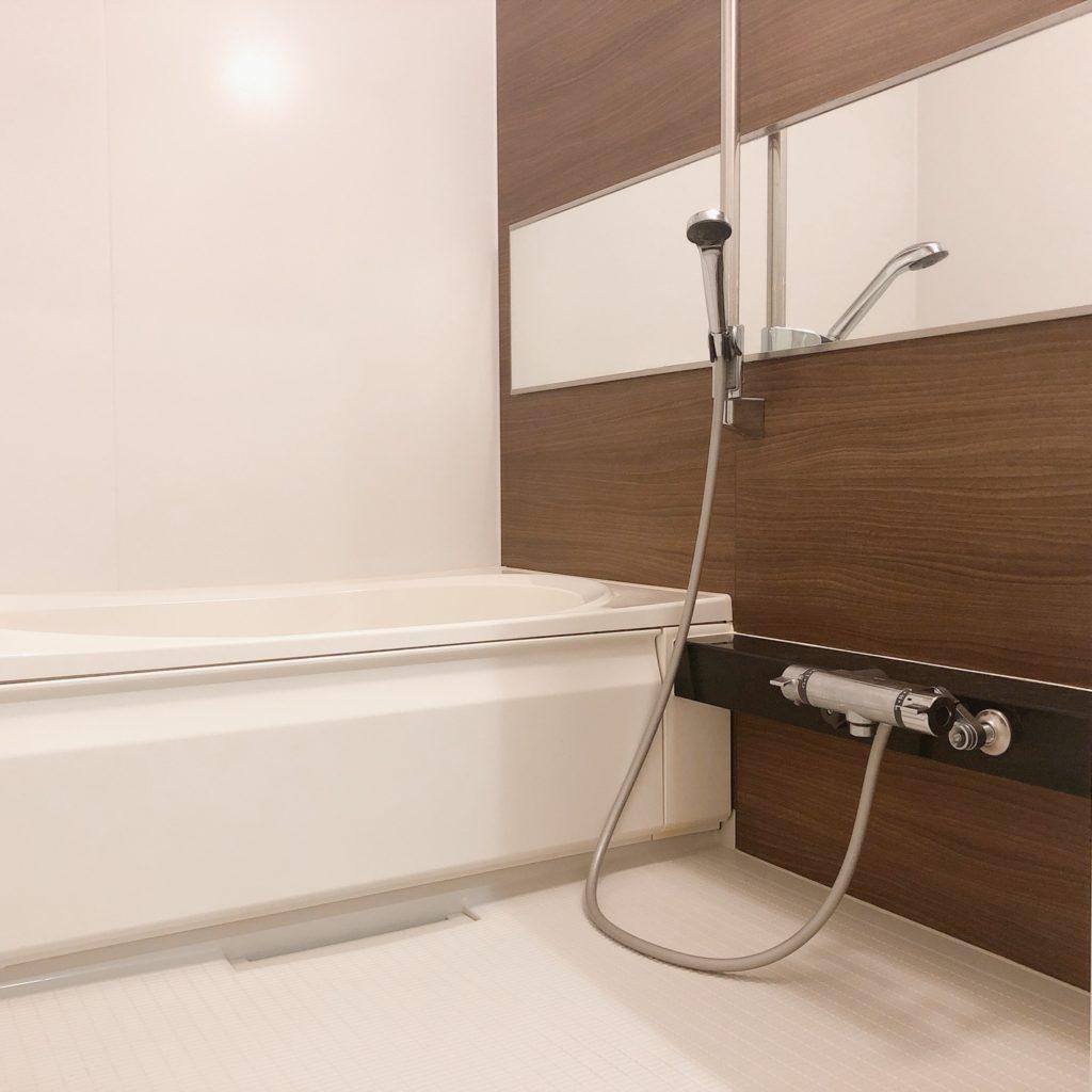 ミニマリストのお風呂。浴室は銭湯スタイルで使うとすっきり快適