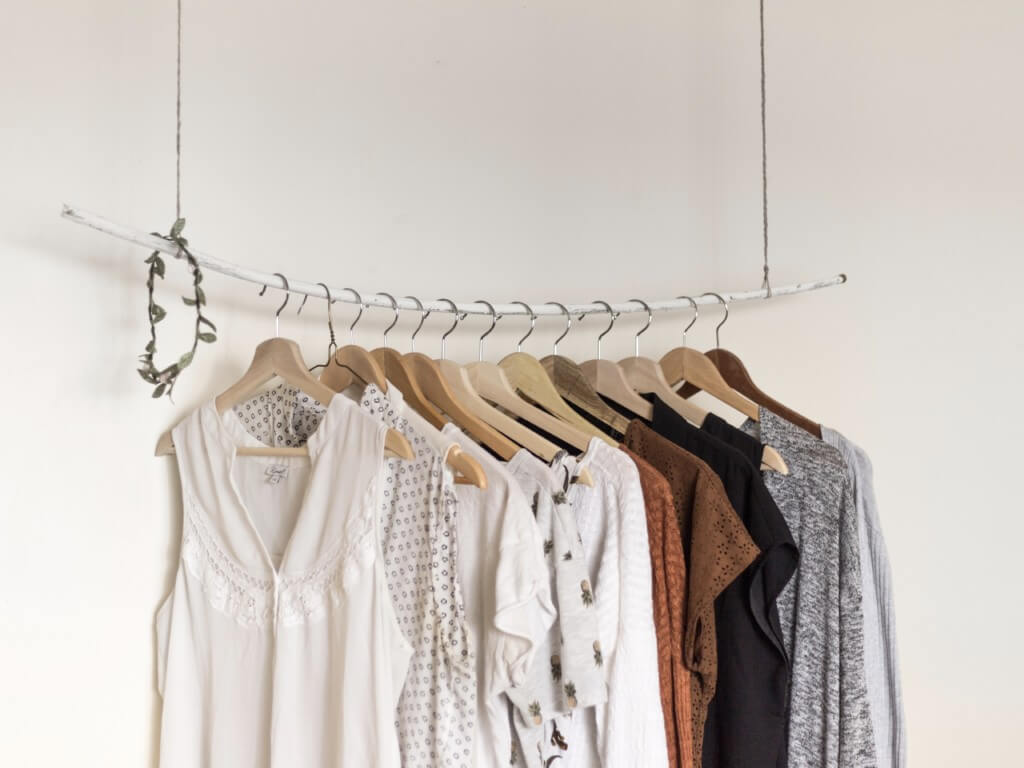 服の断捨離をして手放したアイテムとその理由。反省点を見つける
