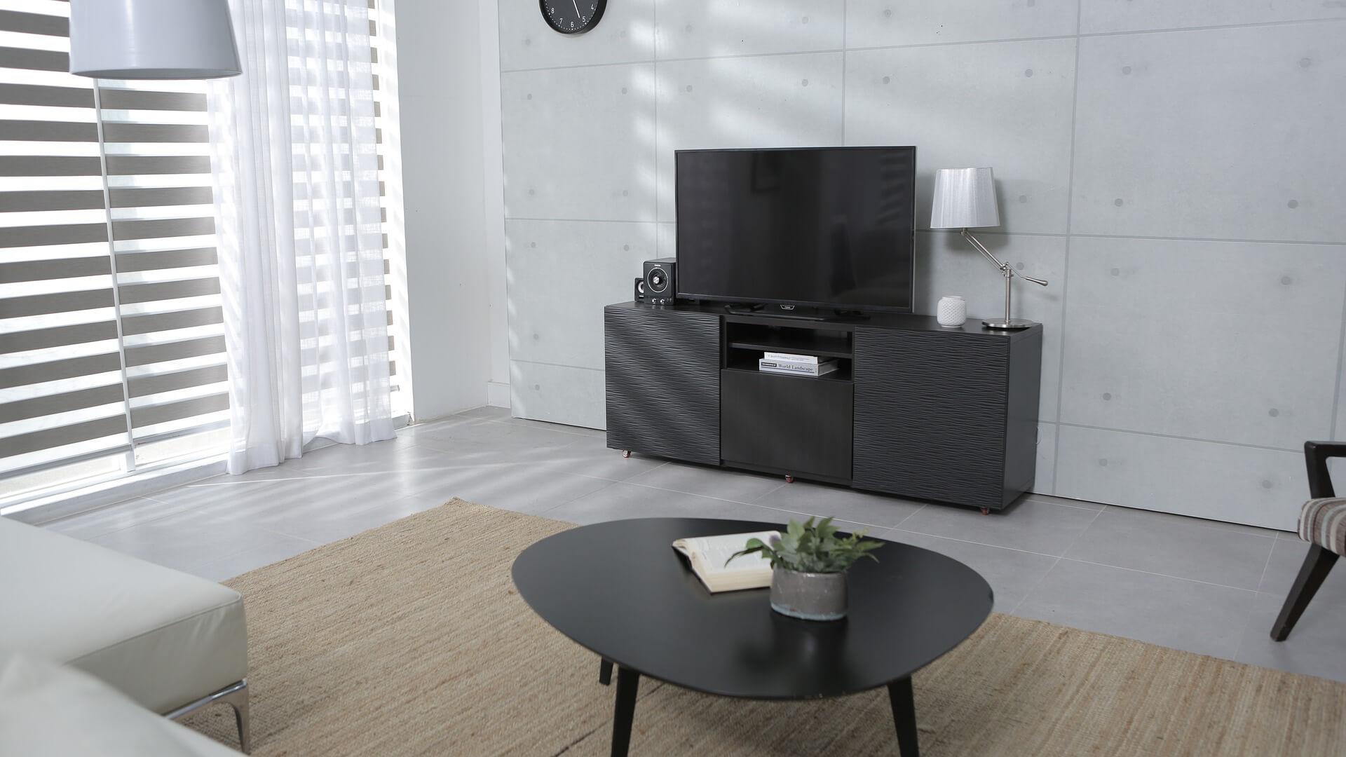 ミニマリストとテレビ。無駄な時間を断捨離して有効活用する方法