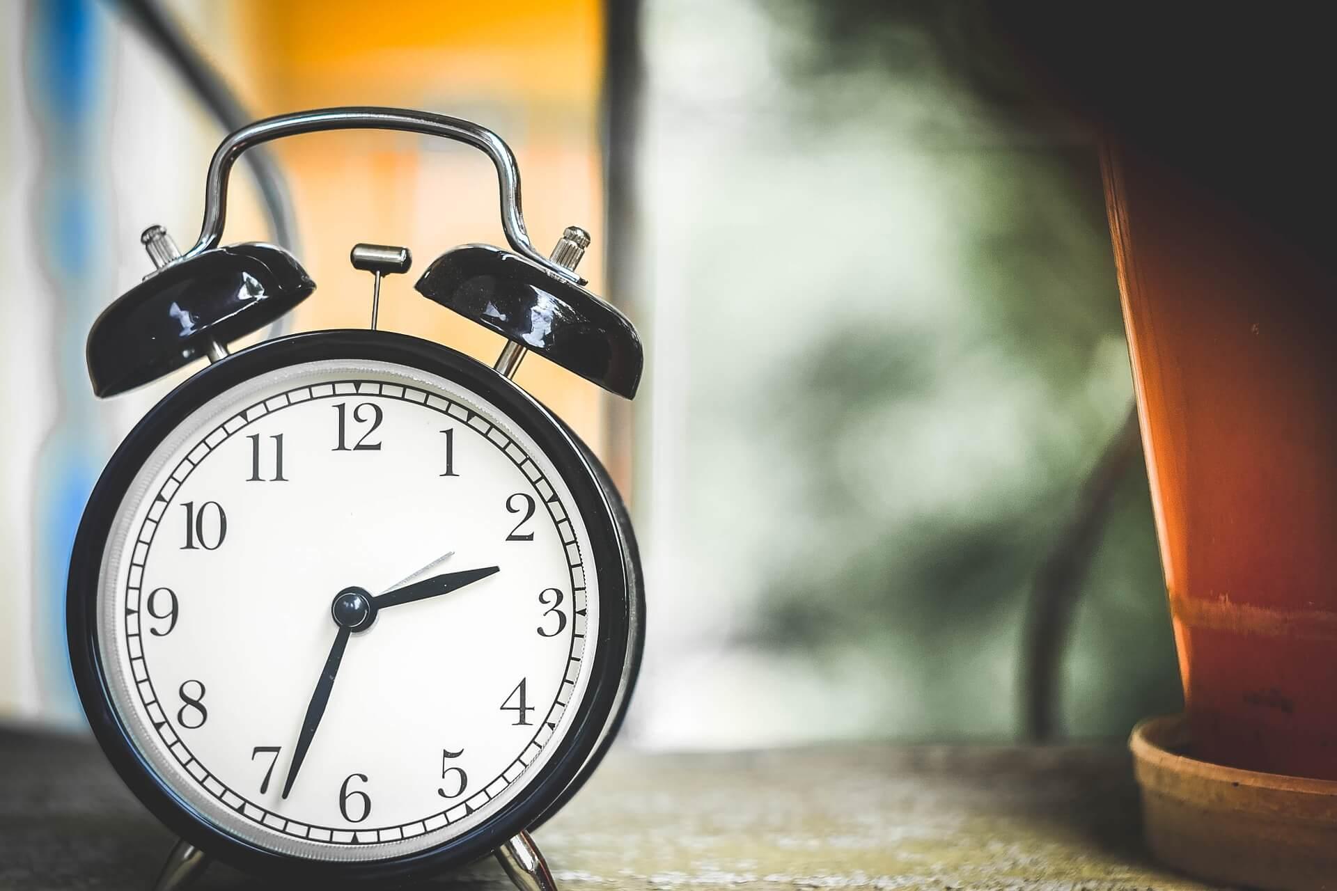 早起きのコツ。昼夜逆転歴10年の夜型人間が朝型になれた簡単な方法