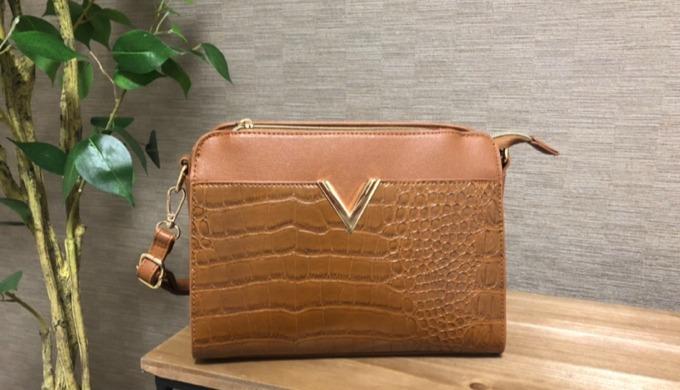 近所に買い物に行く用のバッグの選び方3つ。外ポケットがあると便利